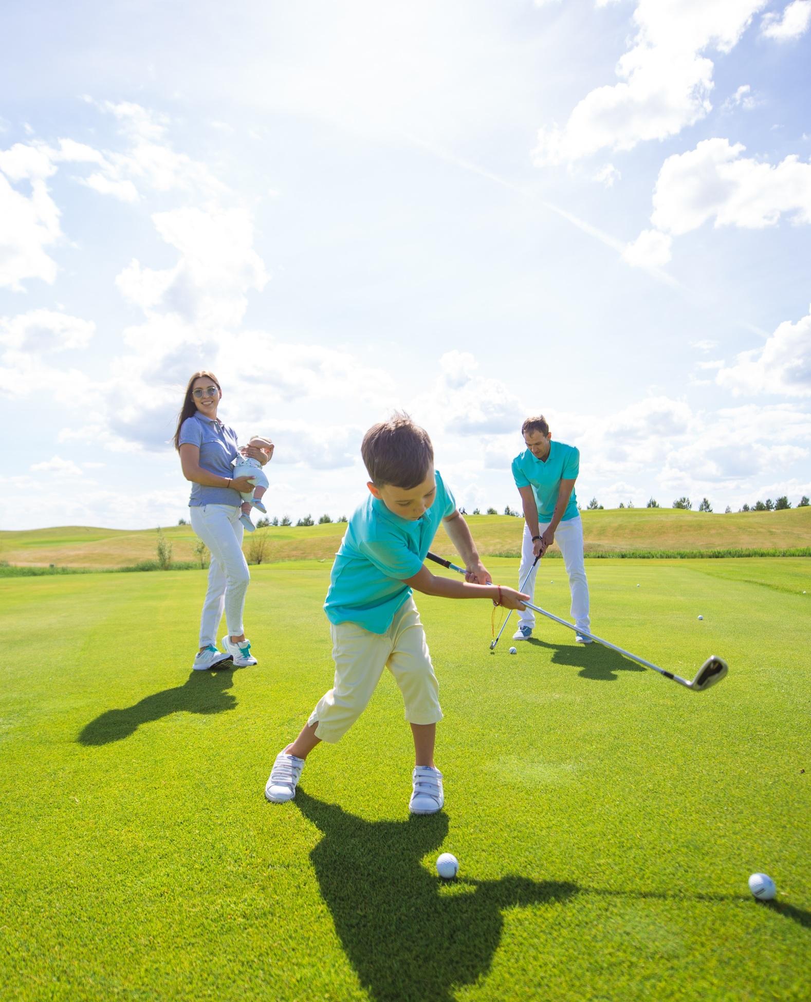 В гольф-клубе запустилась детская академия гольфа!